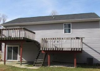 Foreclosed Home in Randallstown 21133 MARY RIDGE DR - Property ID: 4461662728