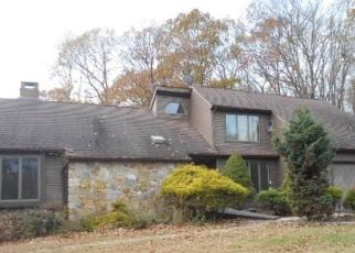 Foreclosed Home in North Branford 06471 SEA HILL RD - Property ID: 4461816896
