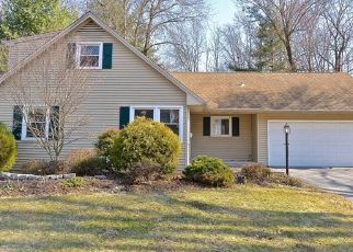 Foreclosed Home in Newington 06111 BROOKSIDE RD - Property ID: 4461874707
