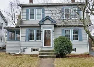 Foreclosed Home in East Hartford 06108 ADAMS ST - Property ID: 4461877773
