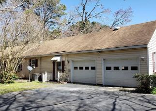 Foreclosed Home in Deltaville 23043 TIMBERNECK RD - Property ID: 4461925957