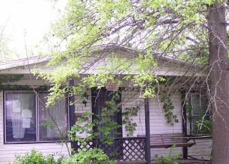 Foreclosed Home in Salem 62881 E LESTER ST - Property ID: 4461930770