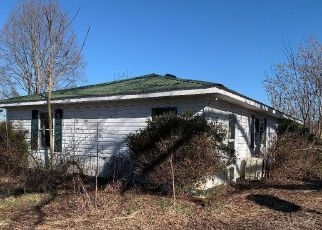 Foreclosed Home in Pall Mall 38577 PARKER RD - Property ID: 4461937332