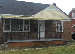Foreclosed Home in Lincoln Park 48146 RIVERBANK ST - Property ID: 4462125217
