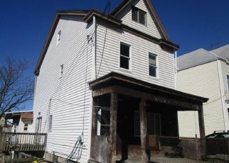 Foreclosed Home in Pittsburgh 15211 GREENBUSH ST - Property ID: 4462279385