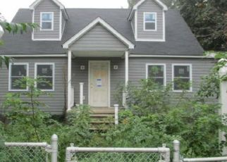 Foreclosed Home in Essex 21221 S MARLYN AVE - Property ID: 4462318815