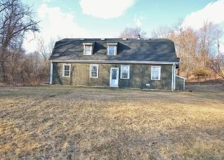 Foreclosed Home in Hyde Park 12538 FALLKILL RD - Property ID: 4462389315