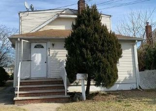 Foreclosed Home in Elmont 11003 RANDALL AVE - Property ID: 4462400265