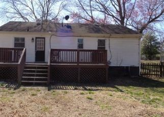Foreclosed Home in Sandston 23150 E NINE MILE RD - Property ID: 4462419993