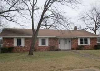 Foreclosed Home in Hugo 74743 E BLUFF ST - Property ID: 4462491363