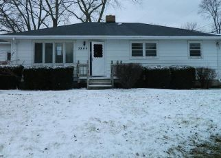 Foreclosed Home in Pleasant Prairie 53158 COOPER RD - Property ID: 4462520266