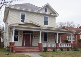 Foreclosed Home in Richmond 23222 LAMB AVE - Property ID: 4462546106