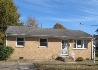 Foreclosed Home in Hampton 23661 CATALPA AVE - Property ID: 4462552690