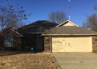 Foreclosed Home in Texarkana 75501 VILLAGE PL - Property ID: 4462570195