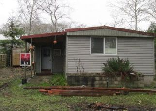 Foreclosed Home in Coos Bay 97420 S SPRING RD - Property ID: 4462653417