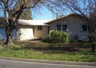 Foreclosed Home in Central Point 97502 VISTA DR - Property ID: 4462659104