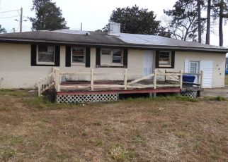 Foreclosed Home in Kinston 28501 N DOVER ST - Property ID: 4462719559