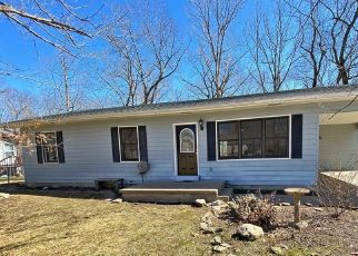 Foreclosed Home in Eldon 65026 VILLAGE MARINA RD - Property ID: 4462790506