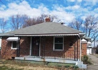 Foreclosed Home in Indianapolis 46218 E 35TH ST - Property ID: 4462921908