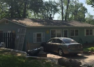 Foreclosed Home in Kansas City 66106 S 52ND CT - Property ID: 4462994151