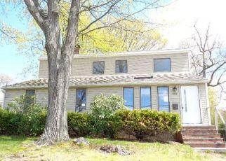 Foreclosed Home in Bristol 06010 VANDERBILT RD - Property ID: 4463050670