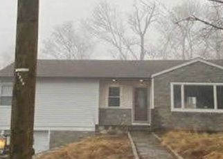 Foreclosed Home in Brookfield 06804 N PLEASANT RISE - Property ID: 4463101465
