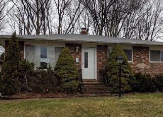 Foreclosed Home in Maple Heights 44137 JANICE DR - Property ID: 4463113284