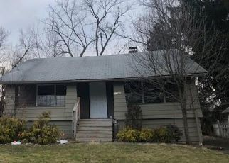 Foreclosed Home in Cleveland 44124 BILTMORE RD - Property ID: 4463114608