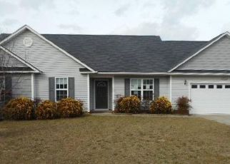 Foreclosed Home in Fayetteville 28306 AVONCROFT DR - Property ID: 4463117225