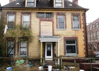 Foreclosed Home in Pittsburgh 15202 HALLETT PL - Property ID: 4463187303