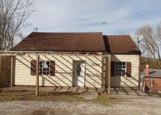 Foreclosed Home in Charleston 25303 SPRING DR - Property ID: 4463228929