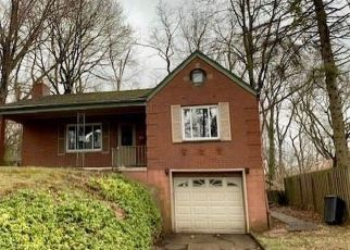 Foreclosed Home in Pittsburgh 15235 GAYWOOD DR - Property ID: 4463230676