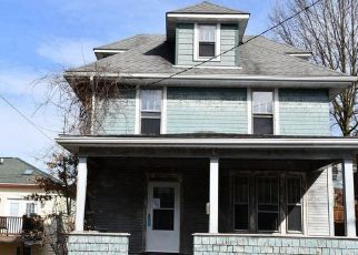 Foreclosed Home in Morgantown 26501 ELM ST - Property ID: 4463252565