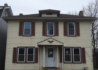 Foreclosed Home in Clarksburg 26301 STANLEY AVE - Property ID: 4463280156