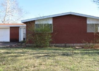 Foreclosed Home in Duncan 73533 LAKEWOOD BLVD - Property ID: 4463405418