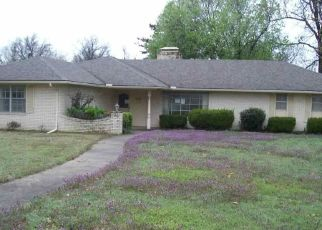 Foreclosed Home in Ponca City 74604 MOCKINGBIRD LN - Property ID: 4463415946
