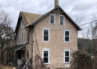 Foreclosed Home in Birdsboro 19508 GOLF COURSE RD - Property ID: 4463645431