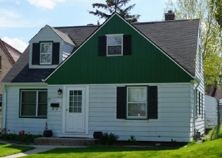 Foreclosed Home in Milwaukee 53218 W LINCOLN CREEK DR - Property ID: 4463660768