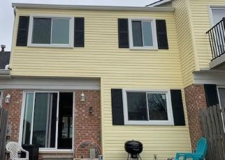 Foreclosed Home in Clinton Township 48036 CHARTER OAKS BLVD - Property ID: 4463705437