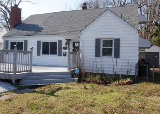 Foreclosed Home in Norfolk 23509 SOMME AVE - Property ID: 4463746161