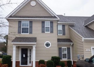 Foreclosed Home in Suffolk 23435 PEAR ORCHARD WAY - Property ID: 4463753163