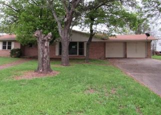 Foreclosed Home in Waco 76708 COUNTRY AIRE DR - Property ID: 4463781643