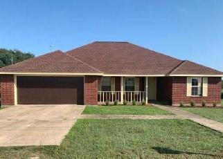 Foreclosed Home in Cuero 77954 CHEATHAM RD - Property ID: 4463825885