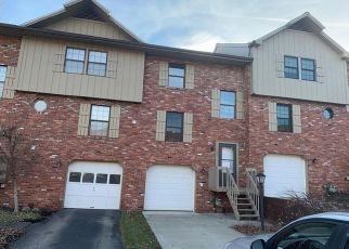 Foreclosed Home in Cranberry Twp 16066 SUNSET CIR - Property ID: 4463953322
