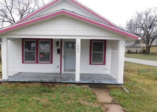 Foreclosed Home in Excelsior Springs 64024 SAINT PAUL ST - Property ID: 4464075973