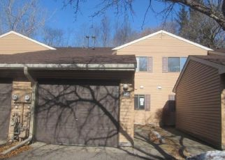 Foreclosed Home in Circle Pines 55014 SOUTH DR - Property ID: 4464123258