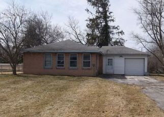 Foreclosed Home in Saginaw 48609 W STARK DR - Property ID: 4464148219