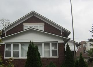 Foreclosed Home in Chicago 60649 S OGLESBY AVE - Property ID: 4464228372