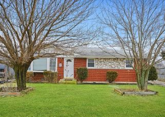 Foreclosed Home in Bridgeview 60455 S THOMAS AVE - Property ID: 4464230117