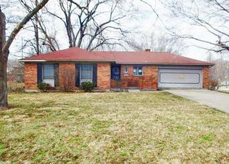 Foreclosed Home in Shawnee 66203 W 72ND TER - Property ID: 4464239321